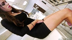 Tranny Madison Montag folla la ropa g