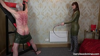 extreme back whipping by vivienne l