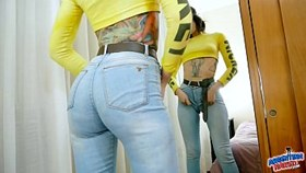 huge bubble butt puffy cameltoe tattoo girl squirts