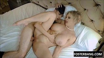 son cums in moms pussy to make her pregnant