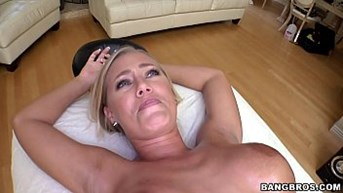 nicole aniston is being given a decent massage