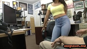 Brunette babe gets banged by pawn keeper