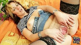 aged amateur milf regina toys meaty hairy pussy