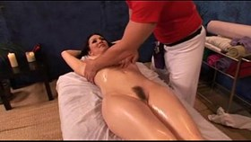 milf getting new massage experience - webcumming