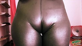 bubble-butt young has a huge cametoe in tight rubber spande