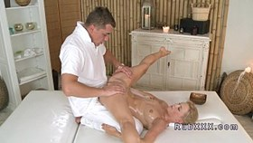 masseur fucks shaved cunt euro blon