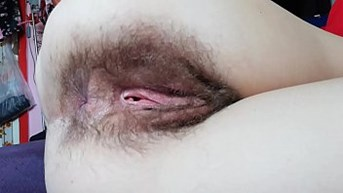 10 minutes of hairy asshole winking in close up