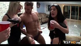 sexy college girls fuck party 18 43