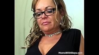 mama releases tension having sex a young cock