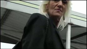 IMWF- Nasty White French Granny folla con un chico indio negro bbc