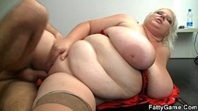 huge woman gets fucked on the flo