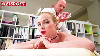 letsdoeit - office massage sex with hot czech blondie vinna reed