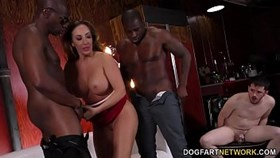Big Ass Richelle Ryan baise la BBC devant un cocu