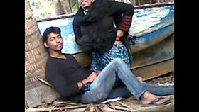 desi couple caught having sex outdoor