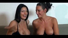 webcamsexlive.com - hot italian lesbians squirting each other in webcam