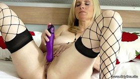 Мама идва за вас - Hot Dildo Solo Show