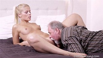 Old Goes Young - Elena canampt believe how good this old man is at having sex