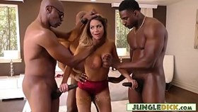 Glamourous Brooklyn Chase interraciale gangbang