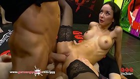 Francys belle anal gangbang - allemand goo les filles