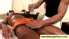 Masseur uses vibrator to tease buttholes