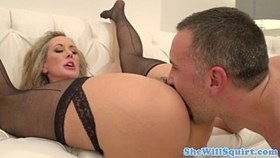 blonde squirter gets pussyfucked