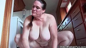granny with big tits cleaning the kitchen nak