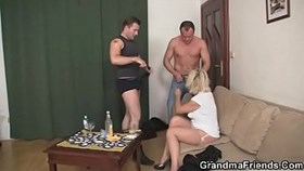 blonde mature woman pleases neighbor
