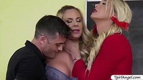 T-girl Aubrey Kate and Lance Hart fucks Phoenix Marie